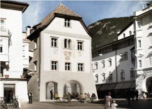 Screenshot_2019-12-09 Waaghaus - Architekten Piller Scartezzini Bozen Südtirol